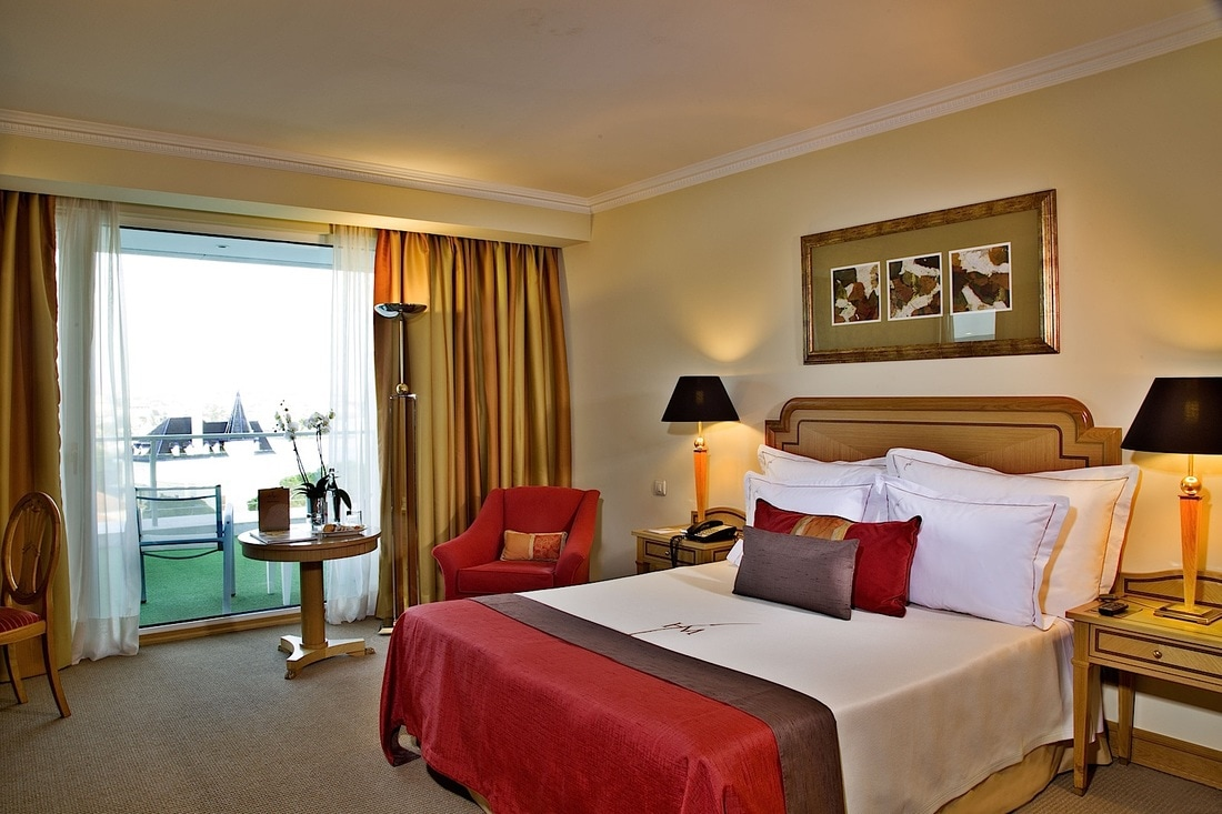 Accommodation at Cascais Miragem Health & Spa hotel